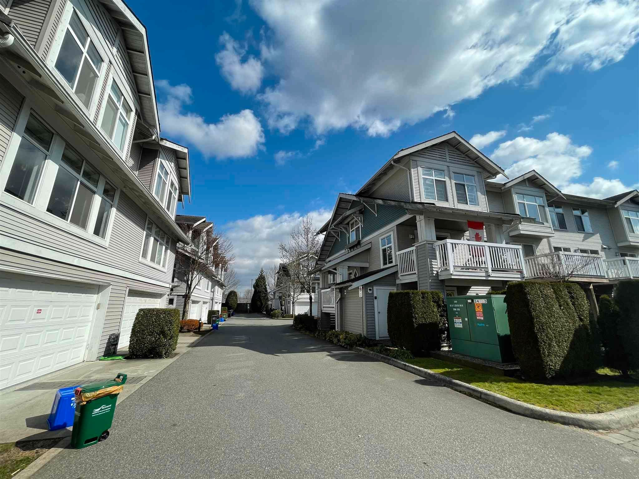 Main Photo: 9 9533 GRANVILLE Avenue in Richmond: McLennan North Townhouse for sale : MLS®# R2599044