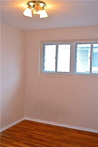 Photo 14: 34 Chillery Avenue in Toronto: Eglinton East House (Backsplit 4) for sale (Toronto E08)  : MLS®# E3757375