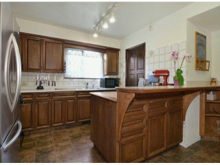 """Photo 2:  in Langley: Brookswood Langley House for sale in """"Brookswood"""" : MLS®# F1308119"""