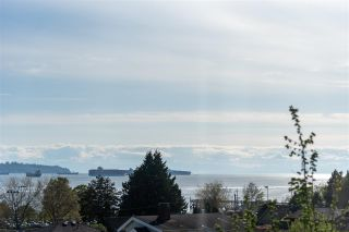 Photo 5: 1136 KEITH Road in West Vancouver: Ambleside House for sale : MLS®# R2575616