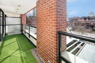 """Photo 3: 310 977 MAINLAND Street in Vancouver: Yaletown Condo for sale in """"YALETOWN PARK III by Wall Financial"""" (Vancouver West)  : MLS®# R2241322"""