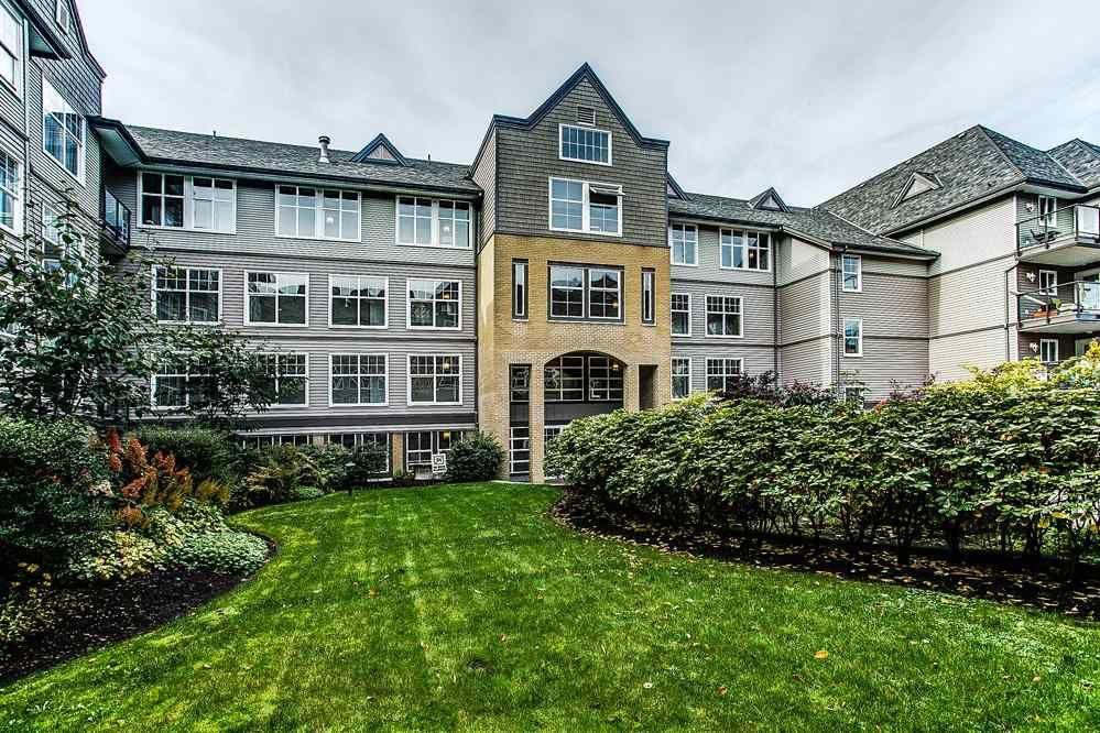 Main Photo: 414 20200 56 Avenue in Langley: Condo  : MLS®# R2372035