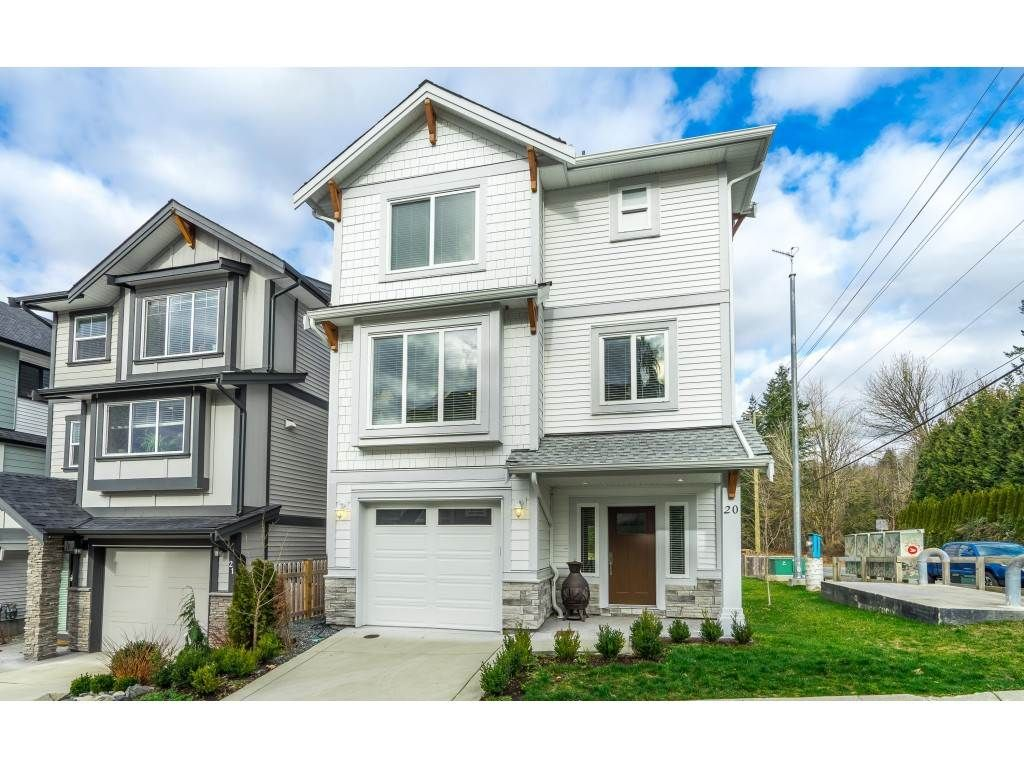 """Main Photo: 20 4295 OLD CLAYBURN Road in Abbotsford: Abbotsford East House for sale in """"SUNSPRING ESTATES"""" : MLS®# R2533947"""