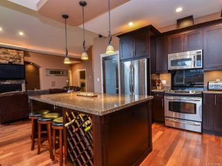 Photo 3: 506 Edgewood Dr in CAMPBELL RIVER: CR Campbell River Central House for sale (Campbell River)  : MLS®# 720275