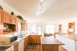Photo 10: 102 Rutledge Crescent in Winnipeg: Harbour View South Residential for sale (3J)  : MLS®# 202122653