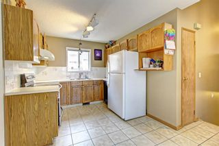 Photo 4: 25 Martinview Crescent NE in Calgary: Martindale Detached for sale : MLS®# A1107227
