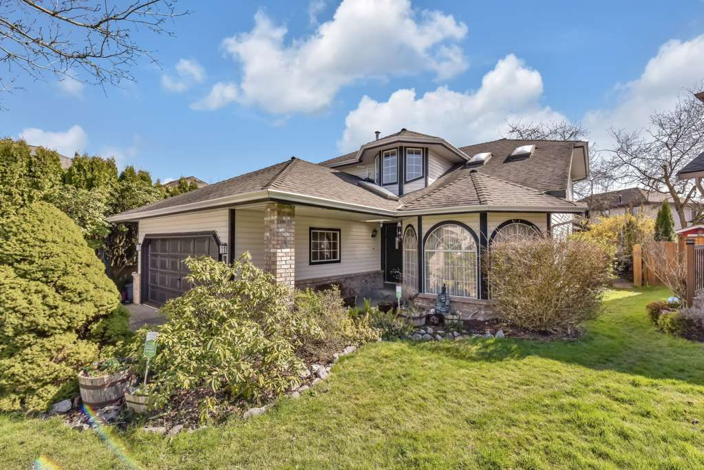 """Main Photo: 8530 213 Street in Langley: Walnut Grove House for sale in """"FOREST HILLS"""" : MLS®# R2562078"""