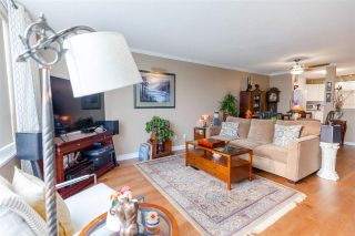 """Photo 7: 907 612 SIXTH Street in New Westminster: Uptown NW Condo for sale in """"The Woodward"""" : MLS®# R2505938"""