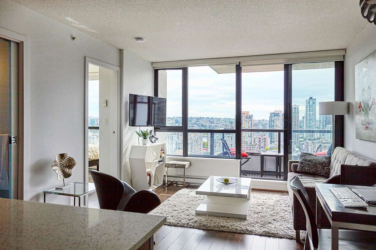 "Main Photo: 2008 977 MAINLAND Street in Vancouver: Yaletown Condo for sale in ""YALETOWN PARK 3"" (Vancouver West)  : MLS®# R2489332"