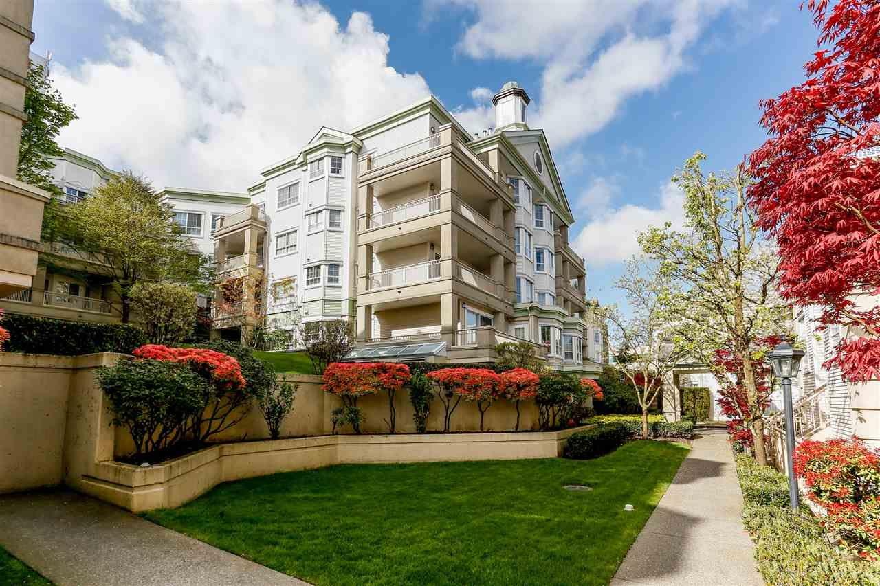 """Main Photo: 109 15268 105 Avenue in Surrey: Guildford Condo for sale in """"GEORGIAN GARDENS"""" (North Surrey)  : MLS®# R2427829"""