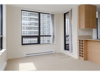 Photo 10: 704 909 MAINLAND Street in Vancouver: Yaletown Condo for sale (Vancouver West)  : MLS®# V1072136