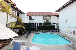 Photo 2: PACIFIC BEACH Condo for sale : 2 bedrooms : 1789 Missouri in San Diego