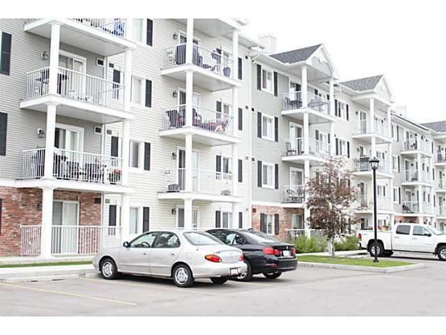 FEATURED LISTING: 4409 - 31 COUNTRY VILLAGE Manor Northeast