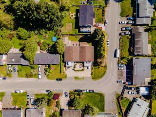 Photo 3: 2442 - 2444 LILAC Crescent in Abbotsford: Abbotsford West Duplex for sale : MLS®# R2575470