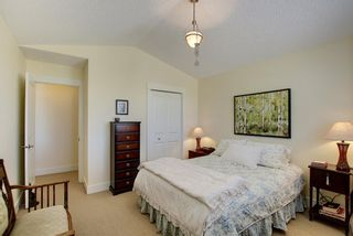 Photo 23: 45 Discovery Heights SW in Calgary: Discovery Ridge Row/Townhouse for sale : MLS®# A1109314