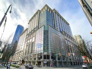 "Photo 2: 2008 938 SMITHE Street in Vancouver: Downtown VW Condo for sale in ""Electric Avenue"" (Vancouver West)  : MLS®# R2526507"