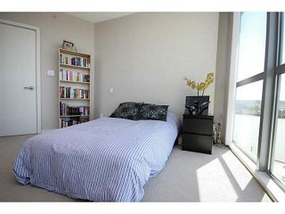 """Photo 12: 1209 14 BEGBIE Street in New Westminster: Quay Condo for sale in """"Inter Urban"""" : MLS®# V1070124"""