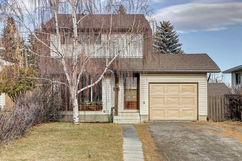 FEATURED LISTING: 7 PINEBROOK Place Northeast Calgary