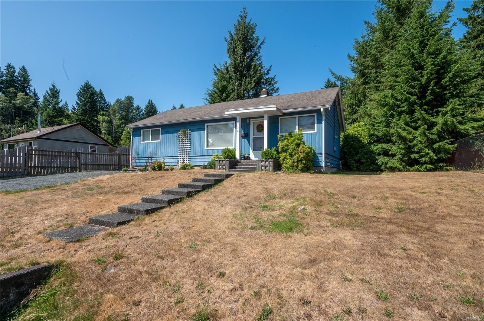Main Photo: 2774 Vargo Rd in : CR Campbell River North House for sale (Campbell River)  : MLS®# 884455