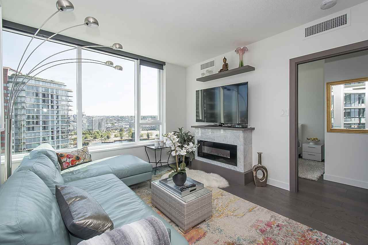 Photo 7: Photos: 1908 68 SMITHE STREET in Vancouver: Downtown VW Condo for sale (Vancouver West)  : MLS®# R2244187