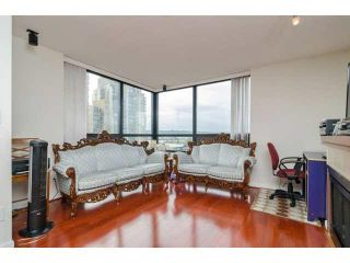 """Photo 4: 803 1 RENAISSANCE Square in New Westminster: Quay Condo for sale in """"THE Q"""" : MLS®# V1070366"""