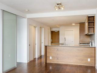 """Photo 20: 204 4375 W 10TH Avenue in Vancouver: Point Grey Condo for sale in """"The Varsity"""" (Vancouver West)  : MLS®# R2552003"""