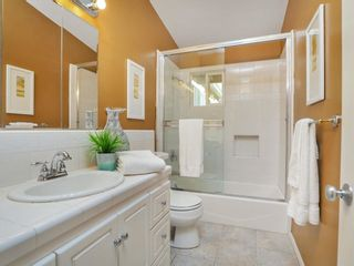 Photo 14: CLAIREMONT House for sale : 3 bedrooms : 3360 Mt. Laurence Drive in San Diego