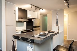"""Photo 4: 1 1840 160 Street in Surrey: King George Corridor Manufactured Home for sale in """"BREAKAWAY BAYS"""" (South Surrey White Rock)  : MLS®# R2041363"""