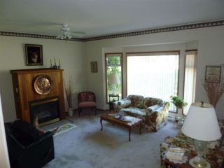 Photo 4: 3209 MOSSY ROCK Road: Roberts Creek House for sale (Sunshine Coast)  : MLS®# R2409142