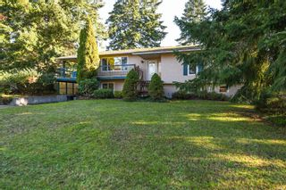 Photo 2: 2311 Strathcona Cres in : CV Comox (Town of) House for sale (Comox Valley)  : MLS®# 858803