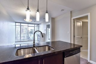 """Photo 5: 2007 888 CARNARVON Street in New Westminster: Downtown NW Condo for sale in """"Marinus at Plaza 88"""" : MLS®# R2333675"""