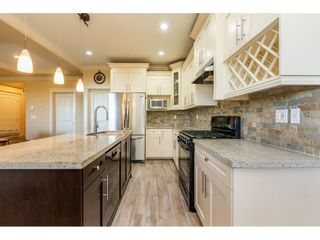 """Photo 7: 24220 103A Avenue in Maple Ridge: Albion House for sale in """"SPENCER'S RIDGE"""" : MLS®# R2404330"""