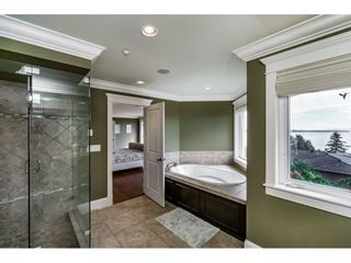 Photo 12: 14438 MALABAR CRESCENT: White Rock House for sale (South Surrey White Rock)  : MLS®# R2104715