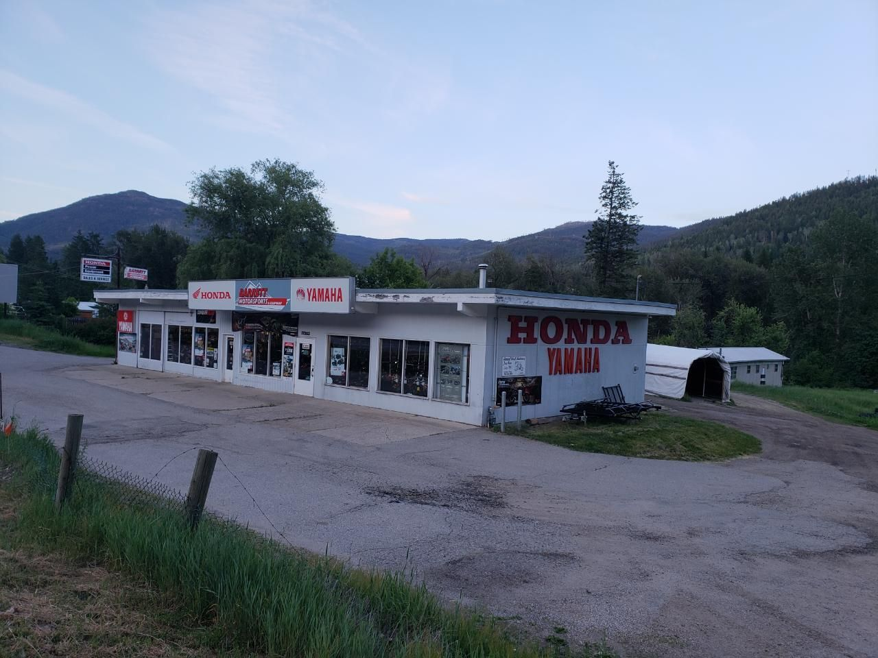 Main Photo: 1470 HIGHWAY 3B in Fruitvale Rural: Other for sale : MLS®# 2454298