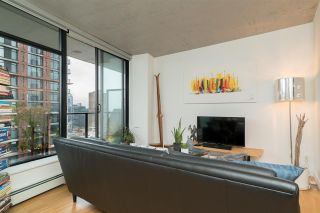 """Photo 7: 2606 108 W CORDOVA Street in Vancouver: Downtown VW Condo for sale in """"WOODWARDS"""" (Vancouver West)  : MLS®# R2237900"""