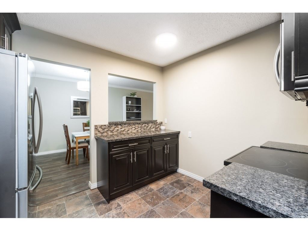 """Photo 7: Photos: 113 33400 BOURQUIN Place in Abbotsford: Central Abbotsford Condo for sale in """"Bakerview Place"""" : MLS®# R2523982"""