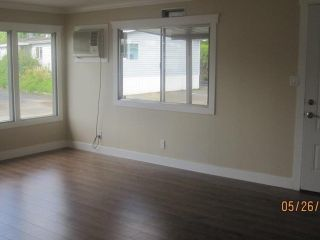 """Photo 4: 307 201 CAYER Street in Coquitlam: Maillardville Manufactured Home  in """"WILDWOOD PARK"""" : MLS®# V1068018"""