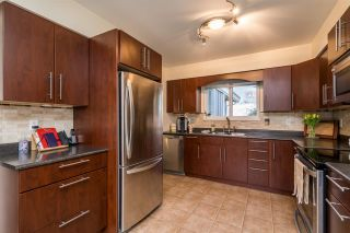 Photo 5: 5899 181A STREET in Surrey: Cloverdale BC House for sale (Cloverdale)  : MLS®# R2547039