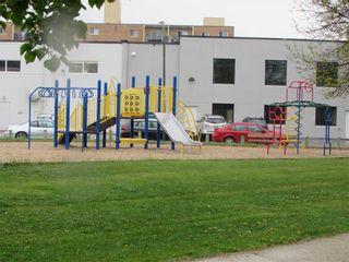Photo 20: 52 Girdwood Crescent in Winnipeg: East Kildonan Residential for sale (3B)  : MLS®# 202011566