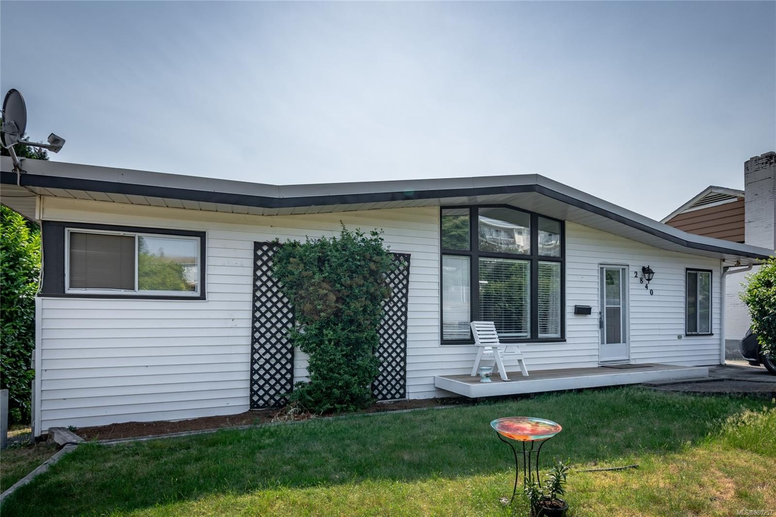 Main Photo: 2840 Glenayr Dr in Nanaimo: Na Departure Bay House for sale : MLS®# 880257