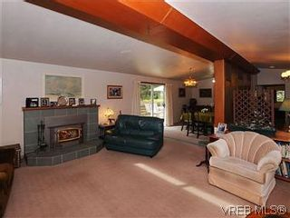 Photo 3: 2770 Benson Place in VICTORIA: SE Ten Mile Point Residential for sale (Saanich East)  : MLS®# 298656