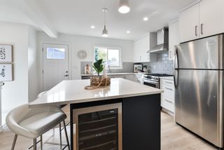 Photo 10: 37 Windermere Road SW in Calgary: Wildwood Detached for sale : MLS®# A1148728