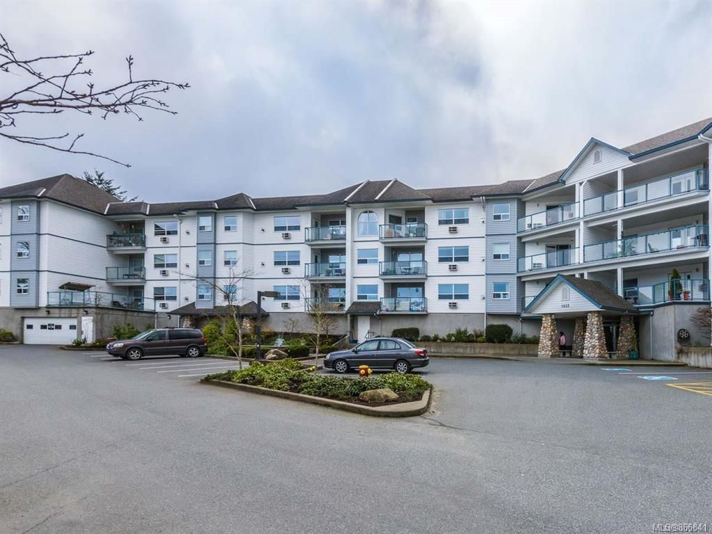Main Photo: 307 1633 Dufferin Cres in : Na Central Nanaimo Condo for sale (Nanaimo)  : MLS®# 866841