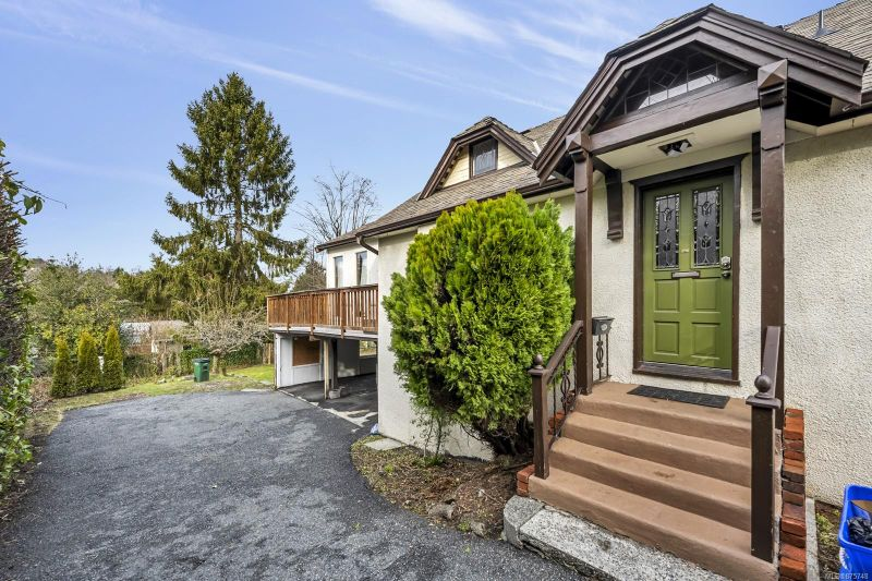 FEATURED LISTING: 1498 Derby Rd