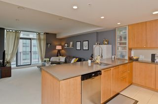 Photo 4: 2305 1118 12 Avenue SW in Calgary: Beltline Apartment for sale : MLS®# A1063039