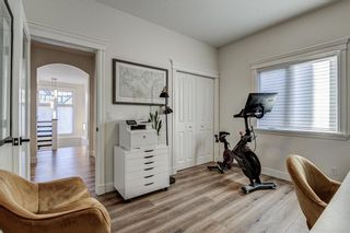 Photo 4: 33 WEST COACH Way SW in Calgary: West Springs Detached for sale : MLS®# A1053382
