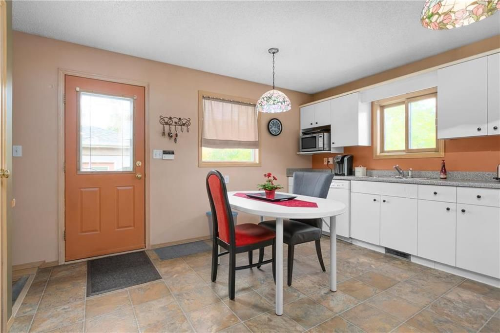Photo 7: Photos: 144 Maplegrove Road in Winnipeg: Riverbend Residential for sale (4E)  : MLS®# 202024993