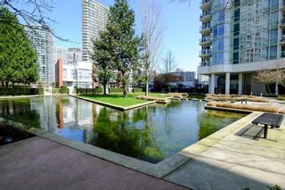 Photo 17: 2006 1077 MARINASIDE CRESCENT in Vancouver: Yaletown Condo for sale (Vancouver West)  : MLS®# R2337743