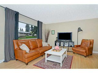 Photo 3: 656 84 Avenue SW in Calgary: Haysboro Residential Detached Single Family for sale : MLS®# C3637895