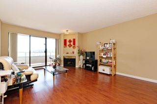"Photo 2: 311 2925 GLEN Drive in Coquitlam: North Coquitlam Condo for sale in ""GLENBOROUGH"" : MLS®# R2492747"
